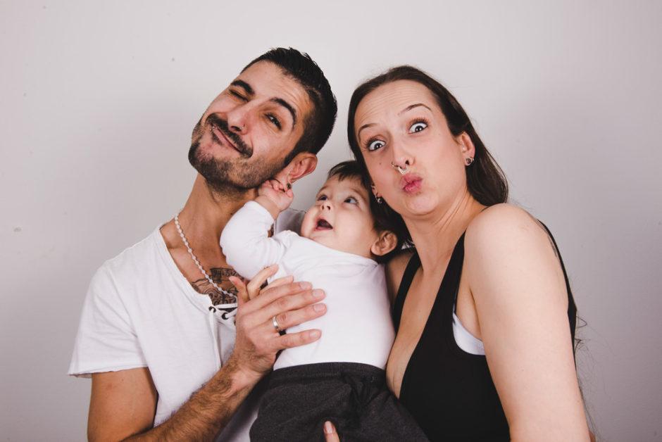 Fotografía de familia en Oviedo, Asturias.